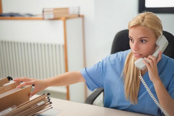 Sem Experiência: Clínica Seleciona Auxiliar Administrativo em POA