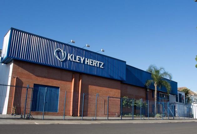 Kley Hertz Seleciona Aux. de Produção em POA – Não Exige Experiência!