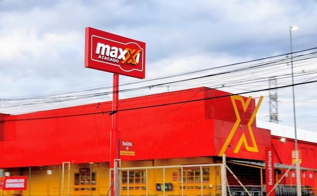 Maxxi Atacado seleciona Op. de Caixa e mais 2 Funções em POA